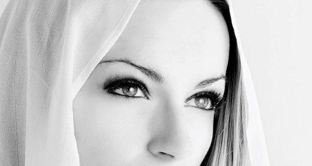 Bună dimineața draga mea!  Învață să te ridici și să mergi mai departe. Credința dă speranță și puterea de a continua să trăiești chiar dacă doare.  #LUNAALA .
