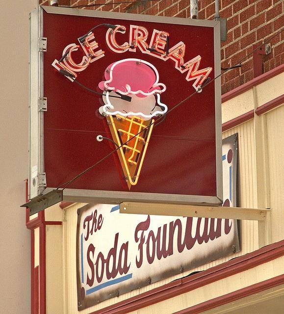 Ice Cream on Main Street in Blue Springs, Missouri.