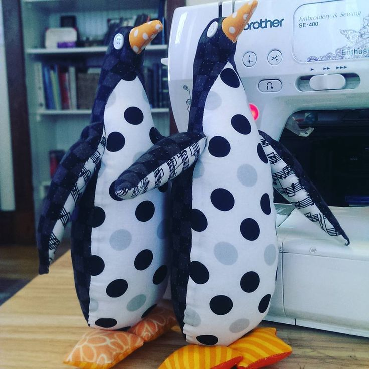 Penguins from 10 Free Soft Stuffed Animals Sewing Patterns with Photos https://analinaragdolls.com/2016/02/09/10-free-soft-stuff-animal-patterns-with-photos/