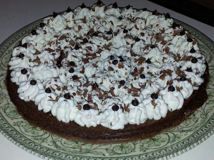 Torta di cioccolato con panna