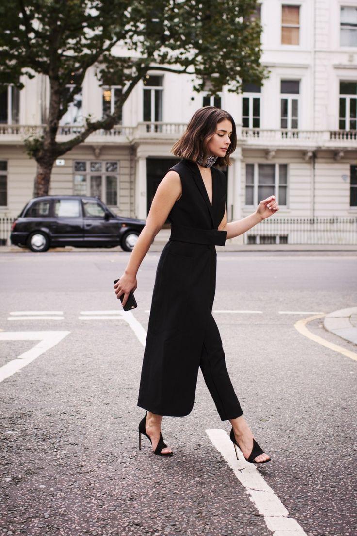 Casaco sem mangas . Visite o SimplesModa, um blog e revista de moda em Português.