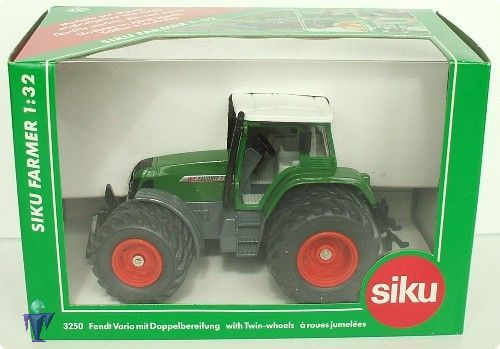 Siku Fendt favorit 716 vario