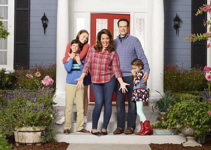 "Canal Sony estrena la serie ""Madre Americana"" #tv #series"
