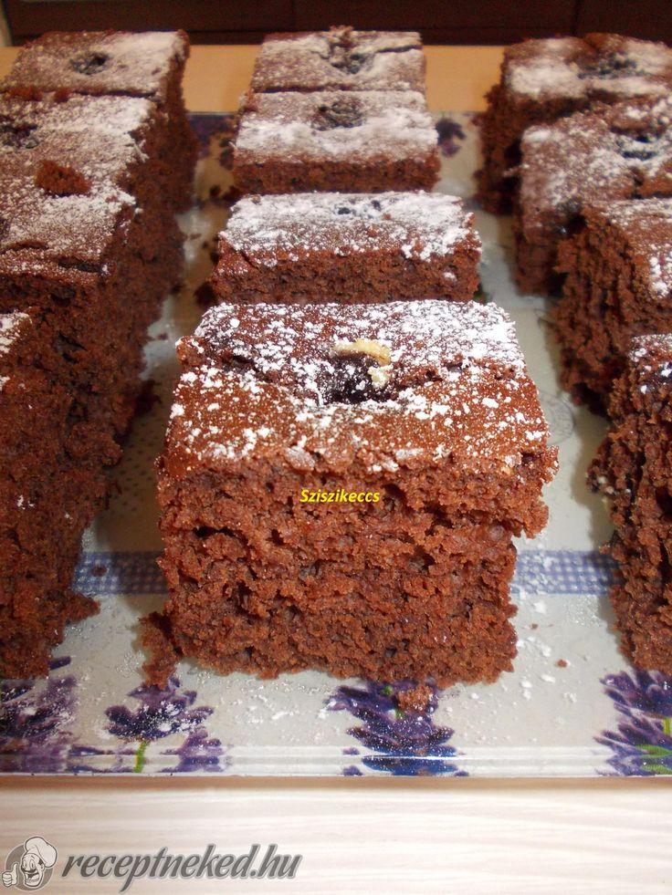 Kipróbált Bögrés kakaós kavart süti recept egyenesen a Receptneked.hu gyűjteményéből. Küldte: sziszikeccs