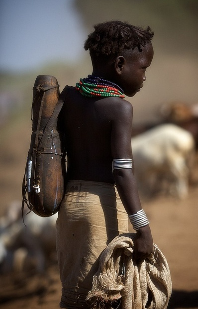 Africa |  Bumi tribe,Omo river, Omerate.  Ethiopia.