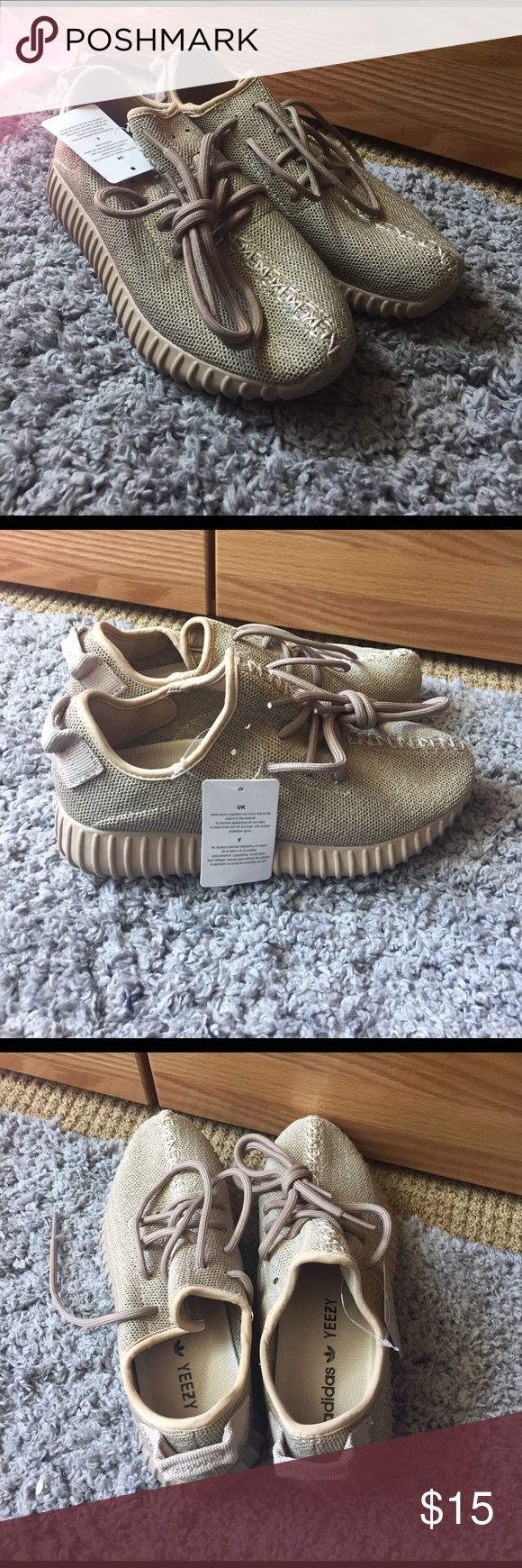 Fake oxford yeezys Fake oxford tan yeezys, I bought them and I thought they were real, never been worn. But if you're okay with fake yeezys then they can really pull it off for being real! Yeezy Shoes Sneakers