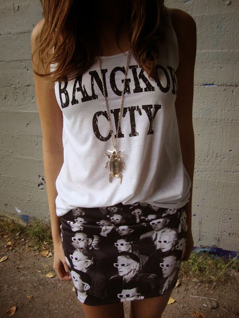 Street Style #hipster #girl fashion outfit of the day printed skirt statement necklace graphic tee