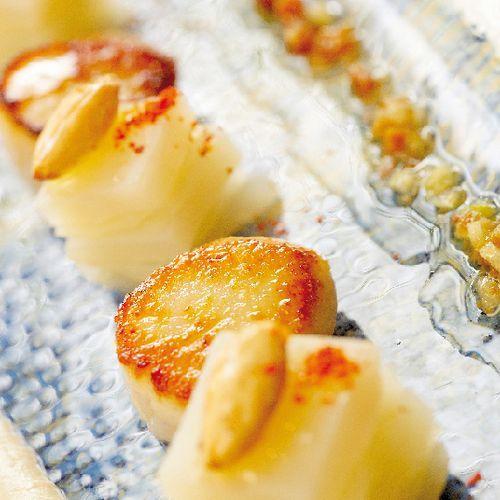 Noix de Saint-Jacques Erquy à l'huile d'amandes & pommes vertes