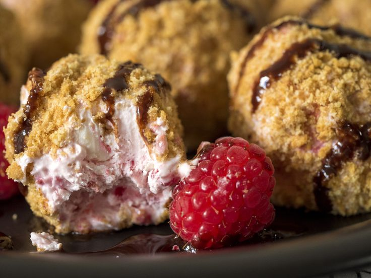 No-Bake Raspberry Cheesecake Bites