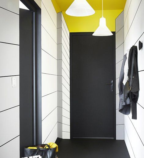 plafond jaune porte noire accessoire int rieur pinterest pour cr er plafond jaune et. Black Bedroom Furniture Sets. Home Design Ideas