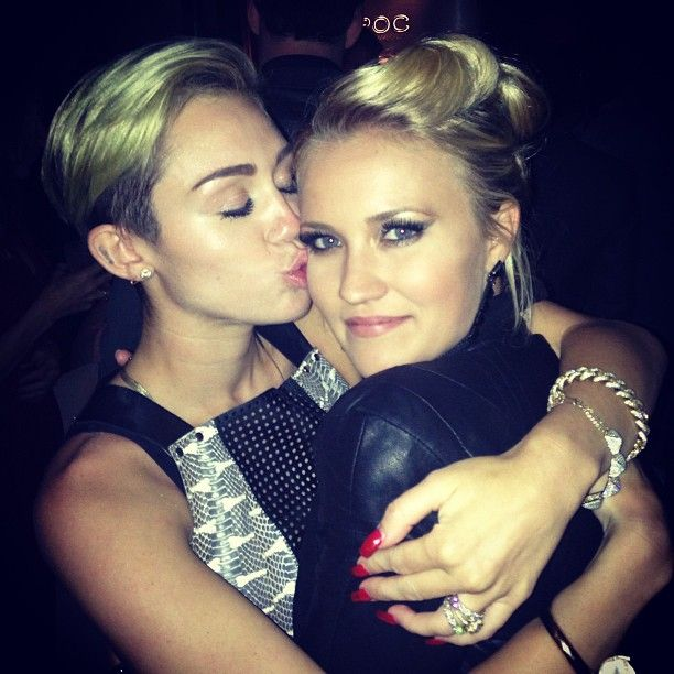 Are emily osment and mitchel musso really dating 9