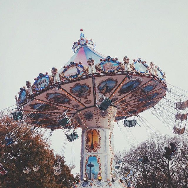 Vintage Park: Circus Aesthetic, Park Photography