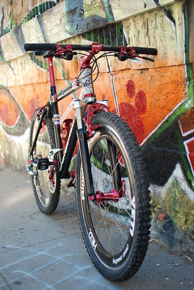 For those of us who grew up watching Johnny T drop down hills with drop bars and remember Missy Giove's piranha, the sight of a US-made Yeti ARC dripping with anodised accessories can rouse more than just fond memories.