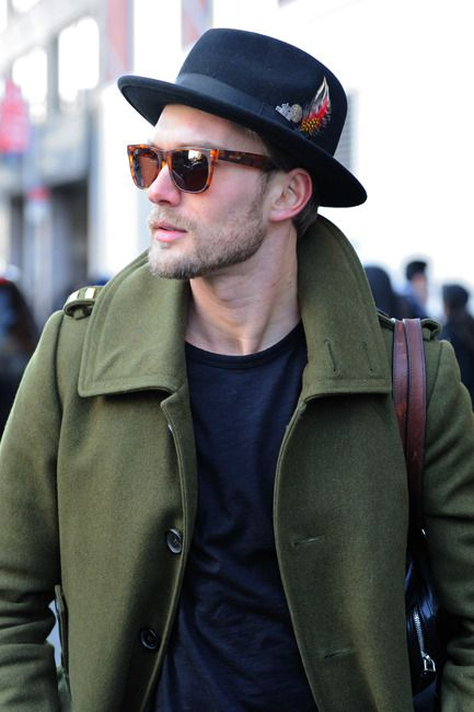 Mens fashion / mens style Love men in hats! Not trucker caps or knit thingies, but real hats!