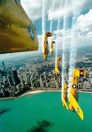 ✭ The Lima Lima Flight Team at the Chicago Air Show.