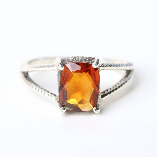 Fire citrine ring rectangle faceted in silver bezel and prongs setting... (395 BRL) ❤ liked on Polyvore featuring jewelry, rings, rectangular ring, oxidized sterling silver ring, sterling silver citrine ring, oxidized ring and citrine rings