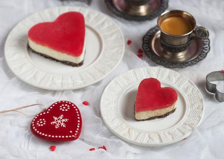 Сегодня День Все Влюбленных - самый романтичный праздник в году. Всем любви, добра, терпения, гармонии! А у меня по этому случаю сегодня на завтрак диетический чизкейк-валентинка.  Ингредиенты
