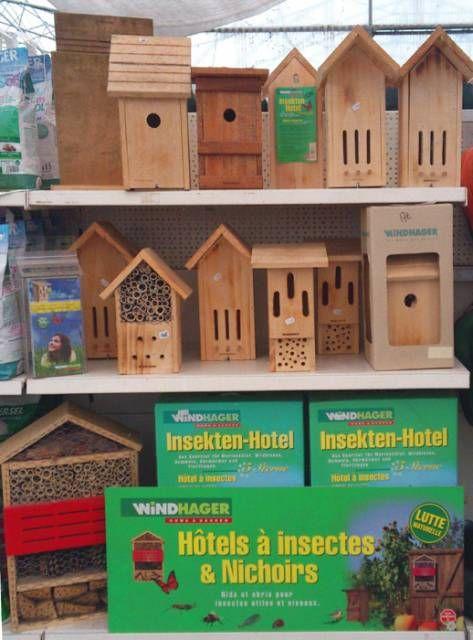Le Jardin de Chauffin propose au rayon jardinerie de nombreux modèles d'hôtels à insectes...  et également des nichoirs pour protéger dive...