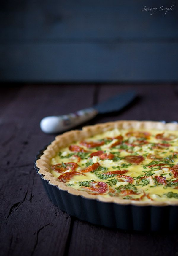 Roasted Tomato and Goat Cheese Quiche - rich and flavorful. Perfect for lunch with a salad or some soup!