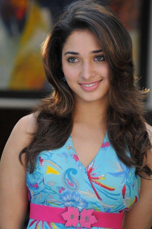 Download Actress Tamanna Bhatia 2013 Photos Wallpaper HD FREE