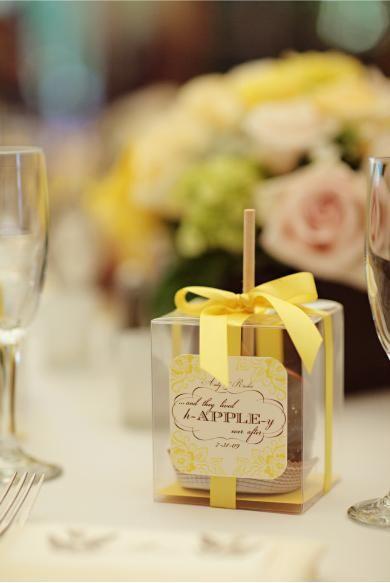 Best 25 Apple wedding favors ideas on Pinterest Wedding favor