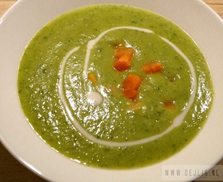 Oktober is begonnen, de verwarming kan al bijna weer aan en dus verklaar ik het soepseizoen voor geopend en dat doe ik met deze heerlijke Broccoli Courgette-Soep met Zalm. Ik eet graag soep. Soep is lekker als je een beetje…