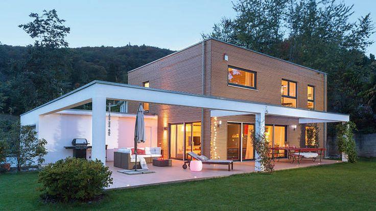 fertighaus in der schweiz von schw rerhaus modern house. Black Bedroom Furniture Sets. Home Design Ideas