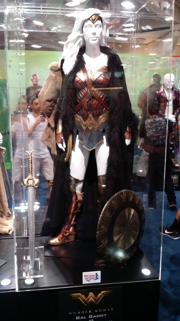 See Wonder Woman And Suicide Squad's Amazing Costumes On Display At Comic-Con