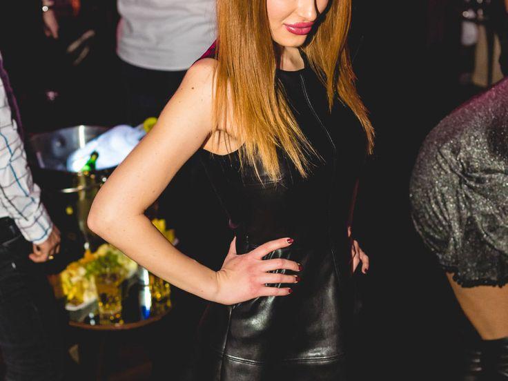 Do you #TWERK? Or do you #VOGUE? - One Club Bucharest