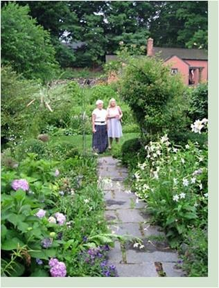 62 best gardens by gertrude jekyll images on pinterest for Gertrude jekyll garden designs