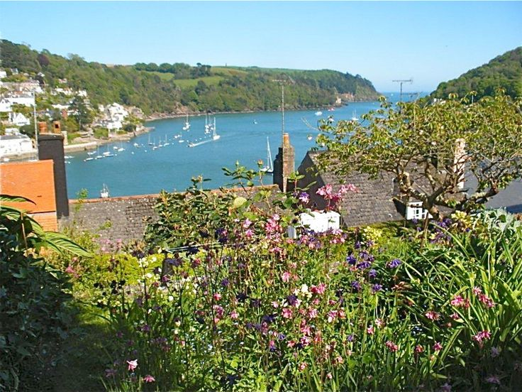 Whiteknights, 16 South Town, Dartmouth, Devon, TQ6 9BX