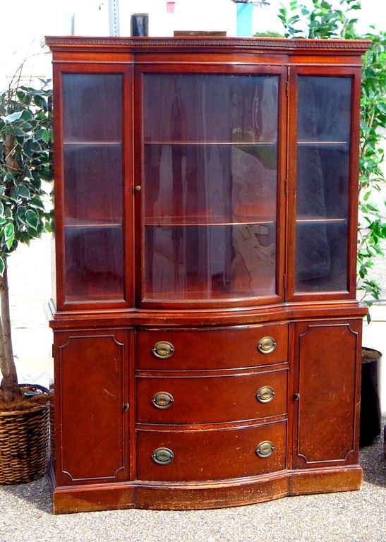 China & Curio Cabinets - Used Furniture Detroit Area (FredsUniqueFurniture) - 261 Best Antique Furniture For Detroit House Images On Pinterest