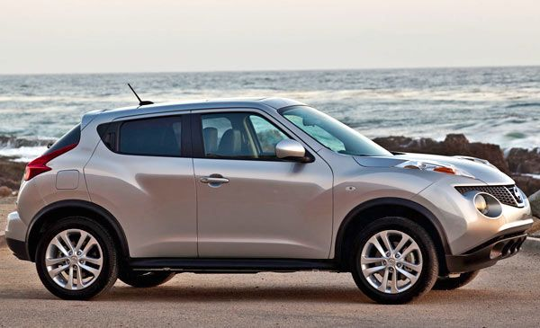 Nissan Juke 2013 — Efficient,  young, fun, different and small brand new SUV (crossover) You can  get for under $19000. (REVIEW)