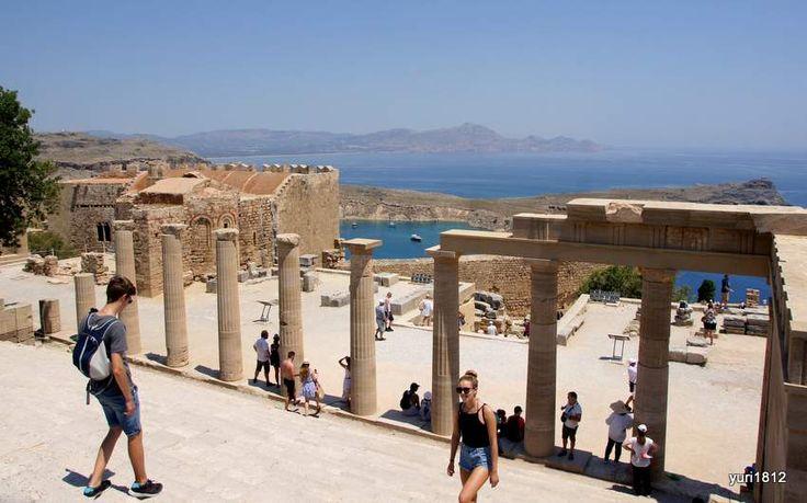 Акрополь Линдоса. Пропилеи храма Афины Линдии