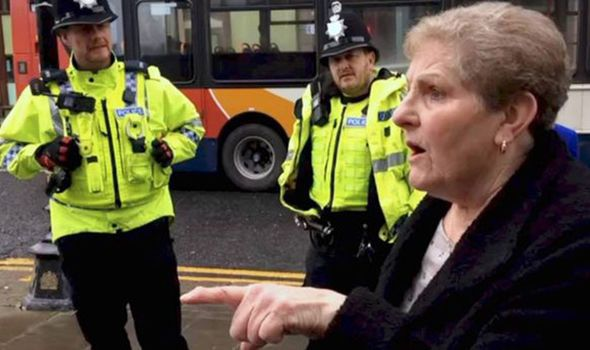 'The EU has ruined us!' Livid pensioner SCORNS anti-Brexit protesters in passionate tirade - https://newsexplored.co.uk/the-eu-has-ruined-us-livid-pensioner-scorns-anti-brexit-protesters-in-passionate-tirade/