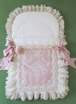 Angela Lace found a waterproof liner covered with cotton flannel, which is perfect to keep the baby-nest from stains.