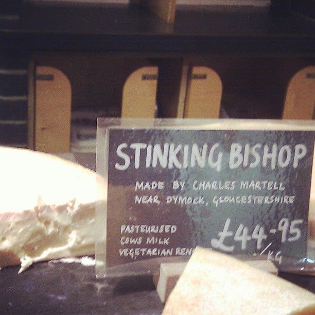 """Award for best cheese by name & taste goes to """"Stinking Bishop"""" @nealsyarddairy Borough Market #filthygoodfood #latergram Delicious, gooey, washed rind"""