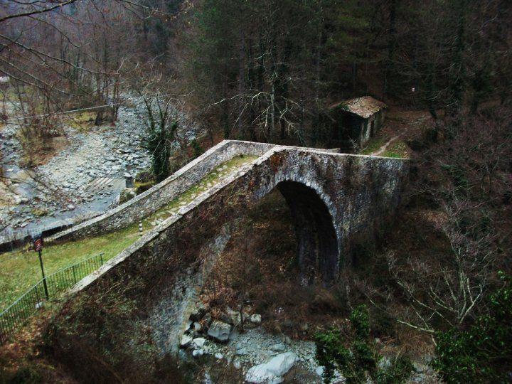 Garfagnana Valley: Arches Bridges, Stones Bridges, Travel Places, Beautiful Places, Places I D, Travel Italy, Tuscany Italy, The Bridges, Garfagnana Valley