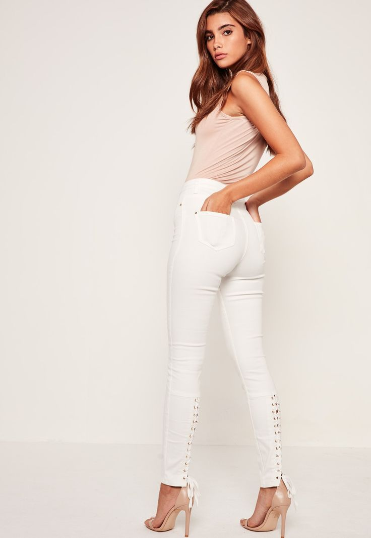 Missguided - Jean skinny blanc taille haute Sinner à lacets
