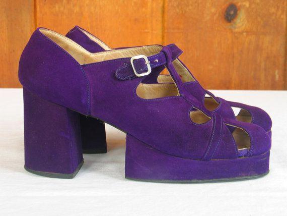 Vintage 1970s Purple Suede Platform Shoes Chunky Disco Glam Groovy size 6 Womens Platform shoes in excellent vintage condition.    Vivid purple