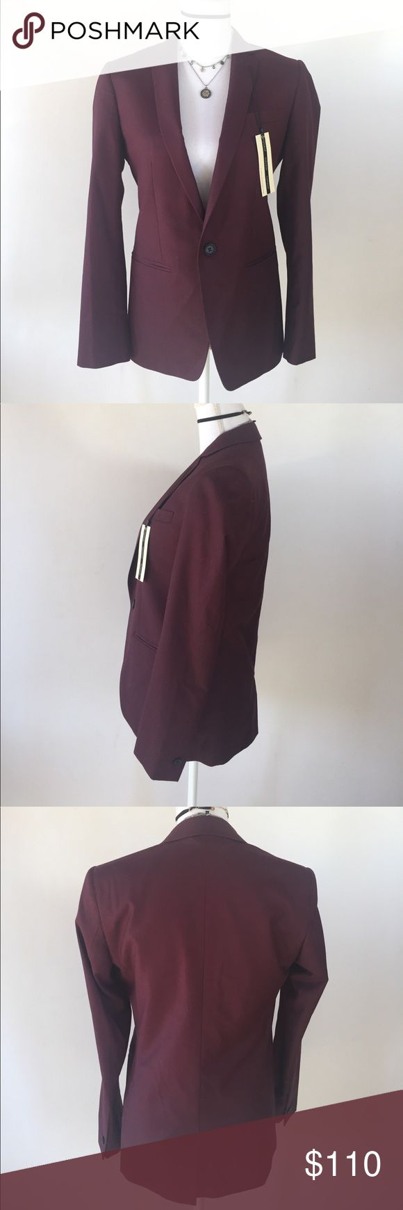 NWT Topshop Maroon Blazer, 6 This beautiful NWT Topshop Maroon Blazer, 6 is great to wear in any professional or educational setting! NWT EXCELLENT CONDITION NO DEFECTS Topshop Jackets & Coats Blazers