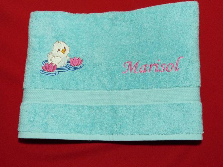 Handtücher - Duschtuch mit Wunschnamen und Motiv - ein Designerstück von Taeschli-und-co bei DaWanda