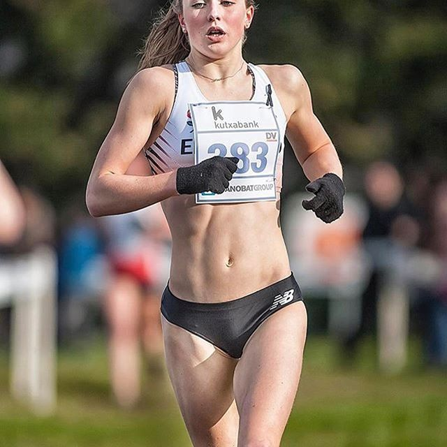 Start your day strong! 💪🏻 A lot of talent in the 🇬🇧triathlon scene right now 👊🏻  🏃🏻 @kate__waugh  - #athletesinsight #running #triathlon #amazing #GBR #repost #training #fitnessgirl #runnerscommunity #run #athlete #irongirl #strong #awesome #crosscountry #photoaday #ironmantri #worlderunners #motivation #girlrunner #triatlon #ironman #motivacion #maraton #marathon #instarun #fitspo #sport #instarunners #getit