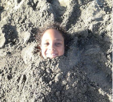 Giocando sulla spiaggia....