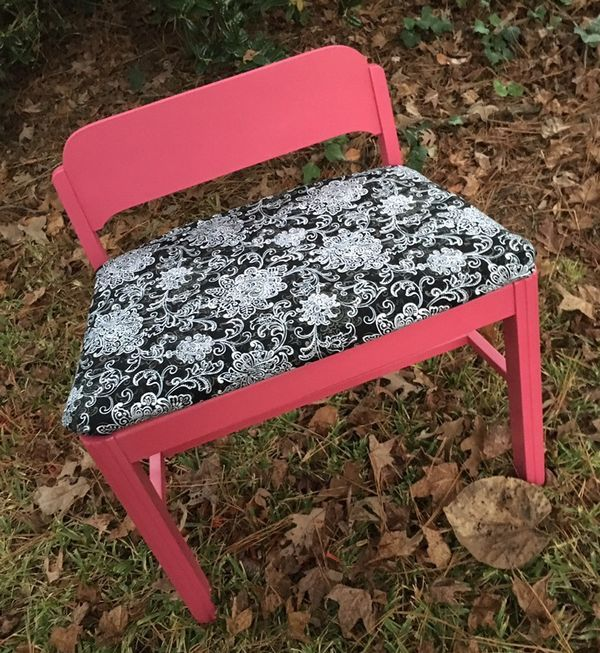 Vanity Bench/Small Chair (Furniture) In Columbia, SC   OfferUp
