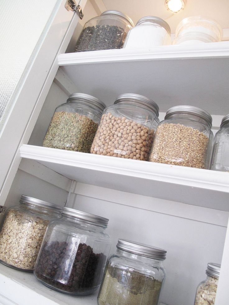 I love organized pantries..: Sons Garde Mang, Organizations Pantries, Pantries Ideas, Storage Jars, Glasses Jars, Kitchens Pantries, Organi Sons, Organisation Sons, Pantries Storage