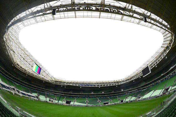 Vista do novo gramado da Arena Allianz Parque, na Zona Oeste da capital paulista. O gramado, muito criticado pelo Palmeiras na temporada 2016, foi trocado, com investimento superior a R$ 200 mil. O campo só deve estar em perfeito estado no dia 5 de fevereiro, conforme cronograma da reforma, data da estreia do time no Paulistão 2017, contra o Botafogo-SP.