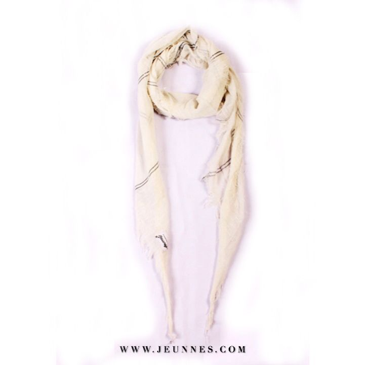 Triangle Scarf / White Only 50,000 idr  Kindly visit our web www.jeunnes.com