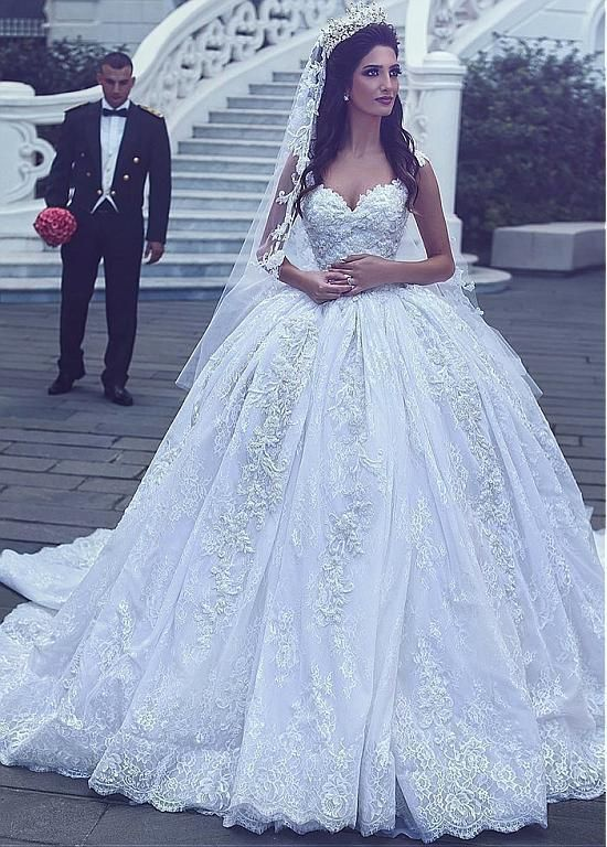 Buy Alluring Tulle V-neck Neckline Ball Gown Wedding Dresses With Beaded Lace Appliques For women