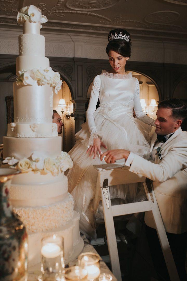 5 Foot Luxury wedding cake with custom cake monogram | fabmood.com #weddingcake #luxuryweddingcake #cakes